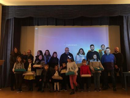 Foto de grup dels guanyadors dels concursos