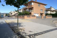 Cruïlla del carrer de les Escoles amb el carrer, sense nom, que desemboca a la porta del col·legi